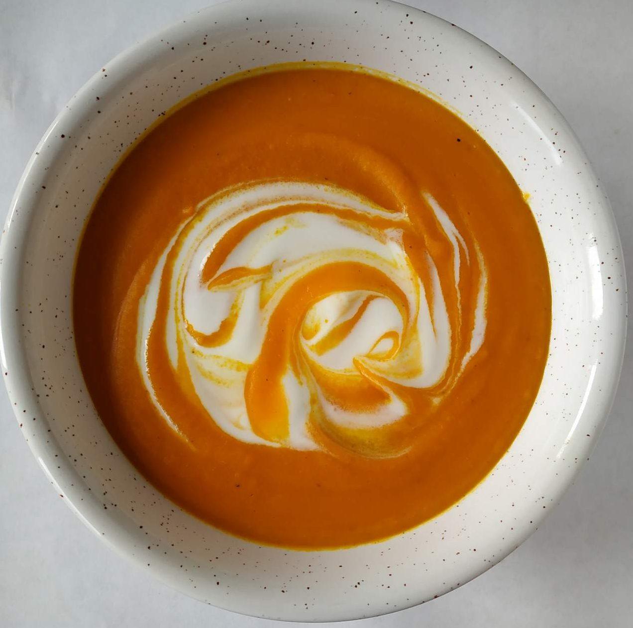Zupa bez gotowania – z pieczonej dyni i marchewki